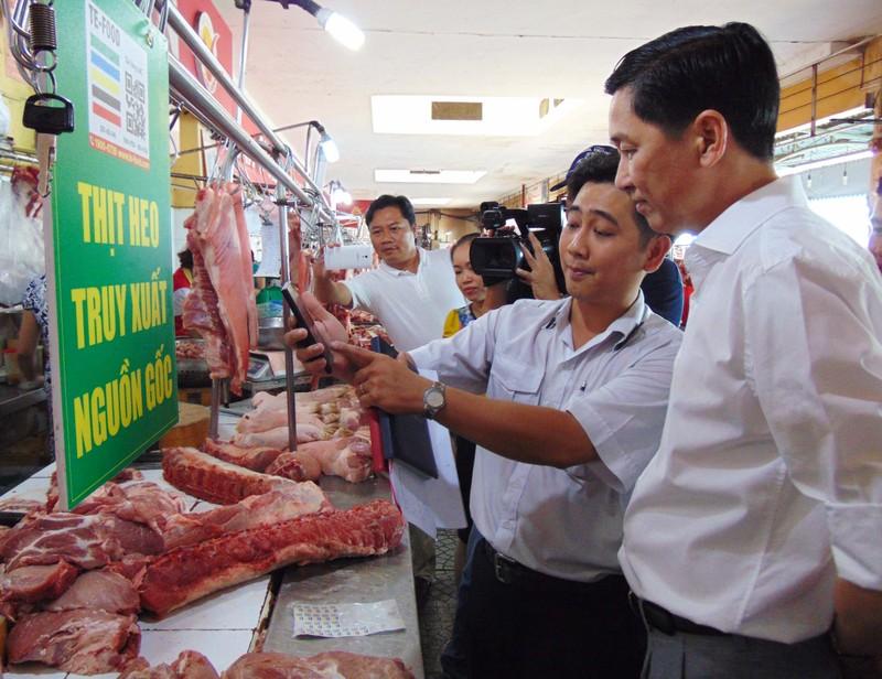 Thực phẩm bán tại chợ Bến Thành phải rõ nguồn gốc - ảnh 2