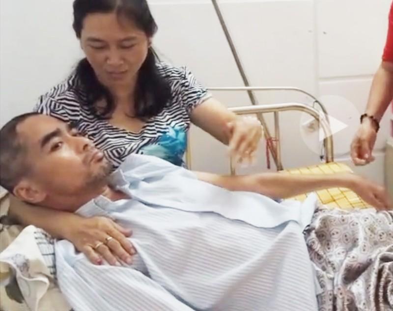 Không thể mổ khớp háng hóa xương của DV Nguyễn Hoàng - ảnh 1
