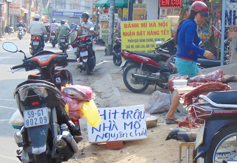 Thịt trâu 'nguyên chất' bán đầy đường quận 12