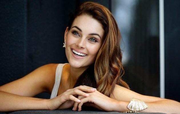 Hoa hậu Nam Phi Rolene Strauss là Hoa hậu đẹp nhất thế giới - ảnh 1