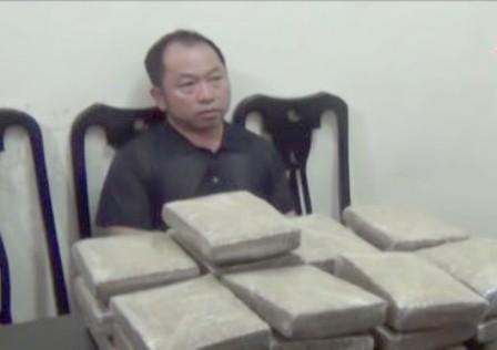 Bắt hai đối tượng mang ma túy từ Lào vào Việt Nam tiêu thụ - ảnh 2
