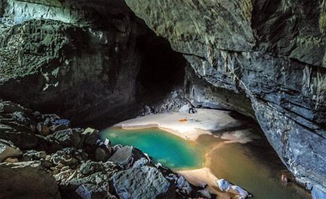 Khám phá thế giới hang động- sản phẩm du lịch đặc sắc của Quảng Bình.
