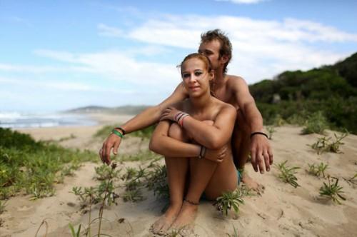 Hàng trăm du khách đổ về Nam Phi tắm khỏa thân - ảnh 1