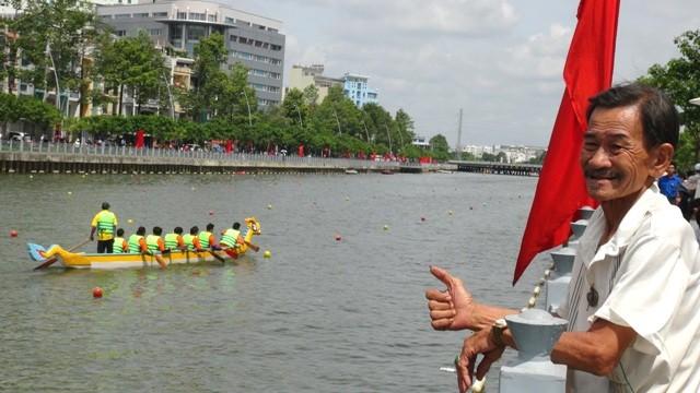 Quận 8 chiến thắng áp đảo tại giải đua thuyền truyền thống TP.HCM - ảnh 3