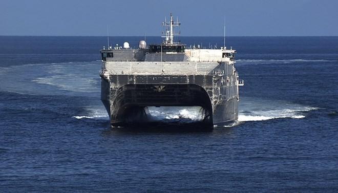 Hải quân Mỹ phô diễn hàng loạt mẫu tàu chiến có hình dạng