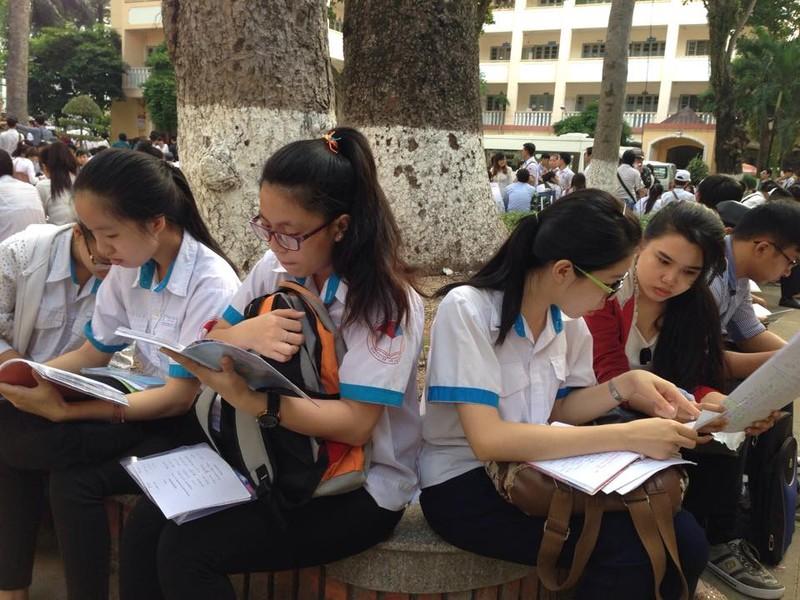 Kỳ thi THPT quốc gia 2015: Thí sinh bắt đầu thi môn đầu tiên  - ảnh 4