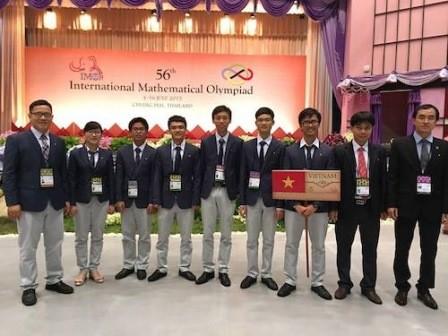 Việt Nam giành 2 huy chương vàng Olympic toán quốc tế  - ảnh 1
