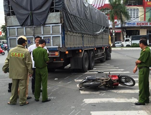 Va chạm giao thông, một phụ nữ tử vong trên đường đi khám thai - ảnh 1