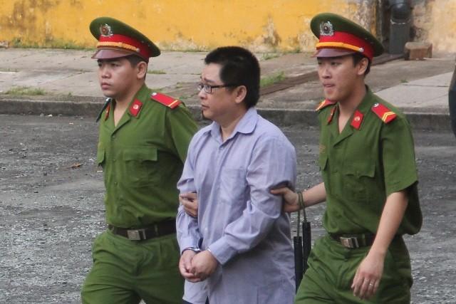 Thư ký tòa lãnh bảy năm tù vì 'chạy án' - ảnh 1