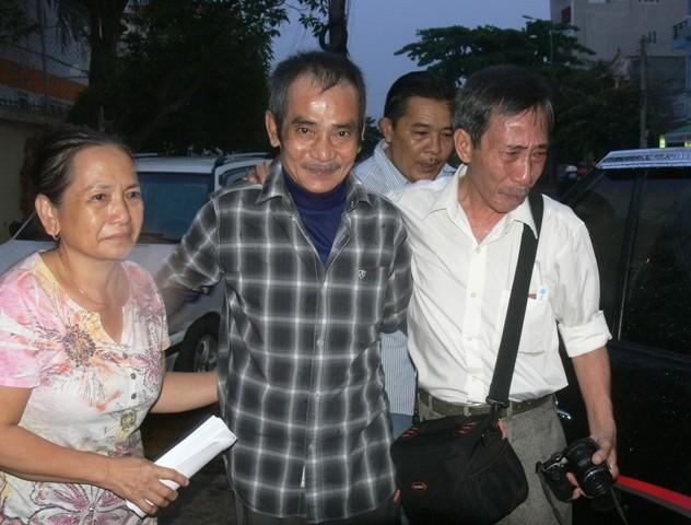 Ông Huỳnh Văn Nén ra khỏi trại tạm giam để chữa bệnh - ảnh 2