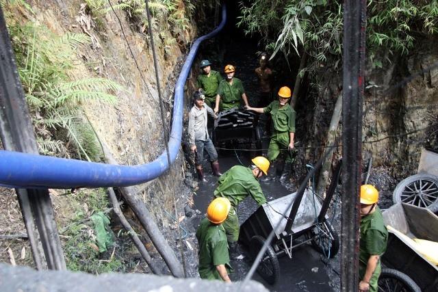 Chưa tìm thấy nạn nhân cuối cùng trong vụ sập hầm than ở Hòa Bình - ảnh 1