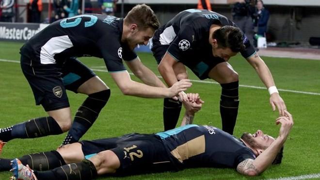 Chelsea 'đá bay' Porto, Arsenal lập nên kỳ tích - ảnh 1
