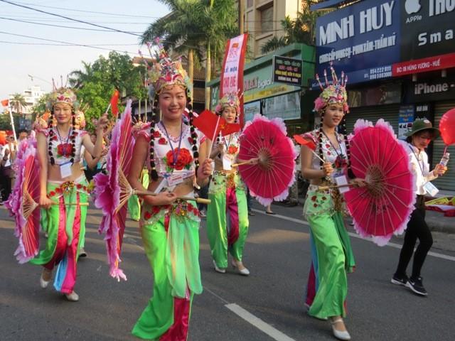 Chùm ảnh: Đặc sắc lễ hội đường phố ở Festival Huế 2016 - ảnh 1