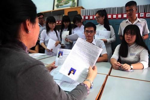 Kết thúc nộp hồ sơ thi THPT quốc gia: 3 môn học 'lên ngôi' - ảnh 1
