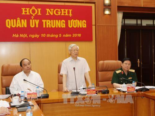 Công bố quyết định của Bộ Chính trị chỉ định Quân ủy Trung ương - ảnh 1