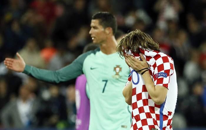Luka Modric khóc nức nở, Ronaldo, Pepe chạy đến an ủi  - ảnh 3