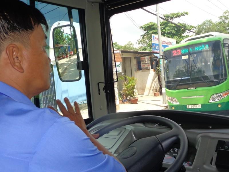Xe buýt chuẩn đã về 18 thôn vườn trầu - ảnh 2
