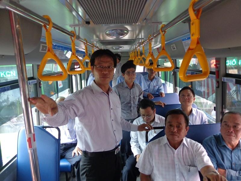 Xe buýt chuẩn đã về 18 thôn vườn trầu - ảnh 3
