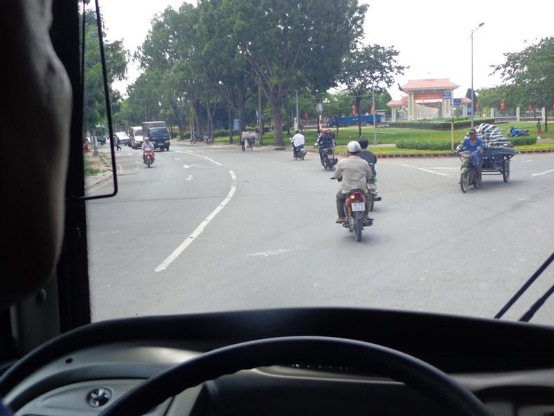 Xe buýt chuẩn đã về 18 thôn vườn trầu - ảnh 7