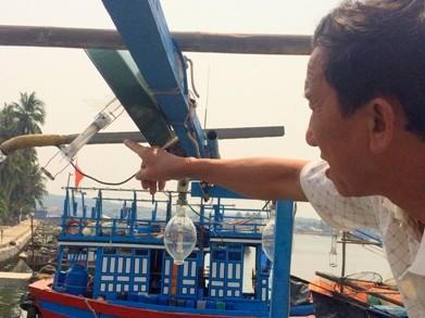 1 tàu cá Quảng Ngãi bị 4 tàu Trung Quốc truy đuổi và đâm chìm - ảnh 1