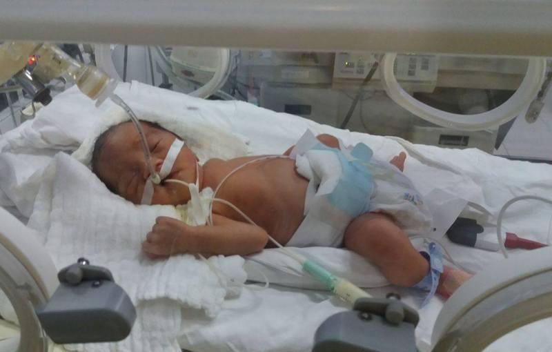 Mổ bắt con, cứu thai phụ bị tai nạn dập phổi - ảnh 1