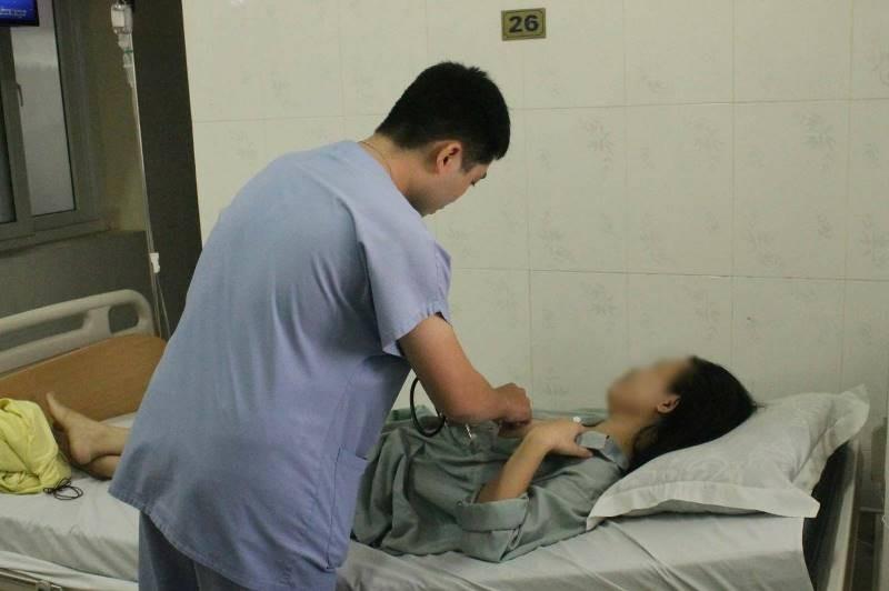 Người bị mảnh kim loại cắm vào ngực đã được xuất viện - ảnh 1