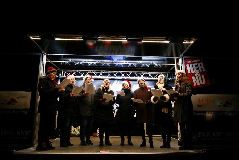 Chùm ảnh: Người dân Bắc Âu chào đón Giáng sinh 2016 - ảnh 19