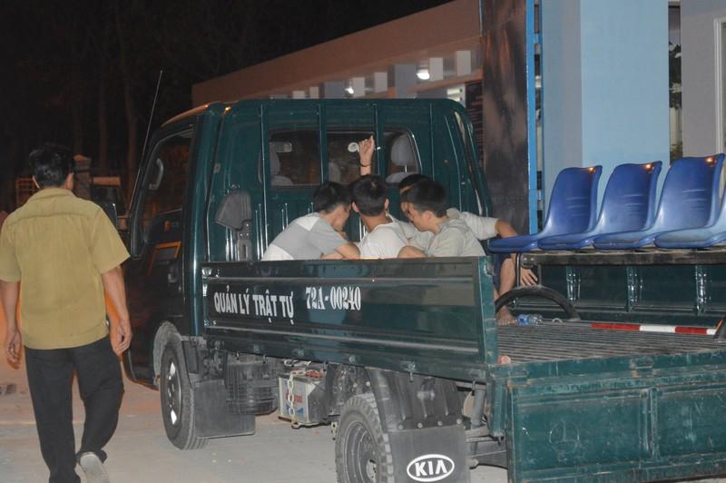 Thức trắng đêm tìm hơn 400 học viên cai nghiện bỏ trốn - ảnh 3