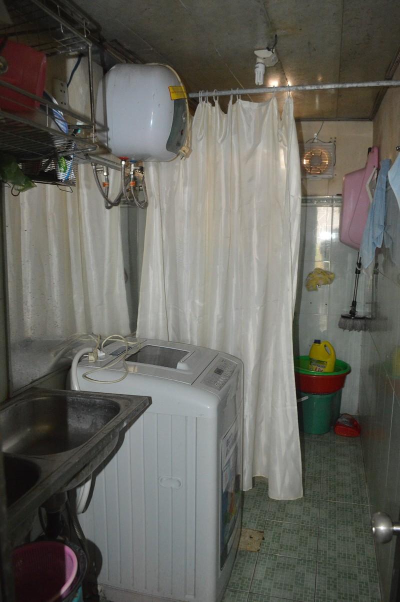 Rò điện từ máy nước nóng, 2 mẹ con tử vong - ảnh 1