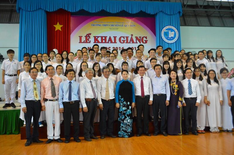 Chủ tịch Quốc hội đánh trống khai giảng tại Trường chuyên Lê Quý Đôn - ảnh 1