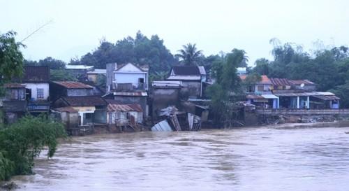 Lũ trên các sông tại miền Trung đang lên nhanh - ảnh 1