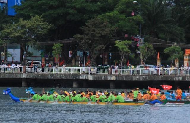 Đà Nẵng chấn chỉnh cán bộ dùng phương tiện công đi lễ hội - ảnh 1