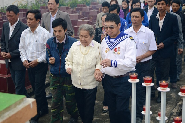 Xúc động lễ tưởng niệm 64 liệt sĩ trận hải chiến Trường Sa - ảnh 3