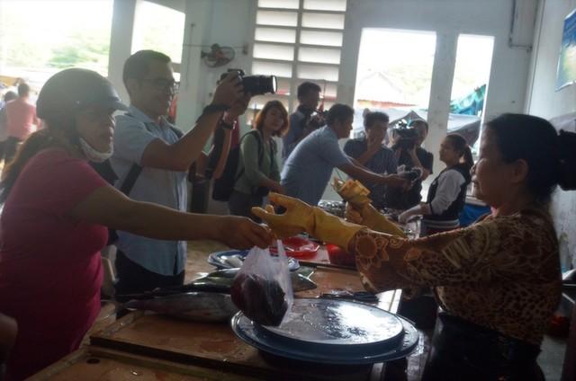 Đà Nẵng: Chính thức đưa cá sạch ra các chợ bán cho dân - ảnh 2