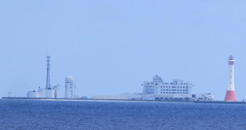 Cận cảnh công trình trái phép của Trung Quốc ở Gạc Ma và Huy Gơ - ảnh 1