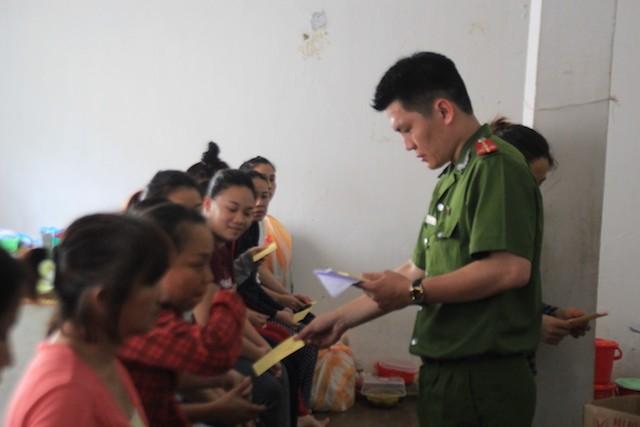 Đà Nẵng: Đưa phiếu bầu đến từng buồng giam  - ảnh 5