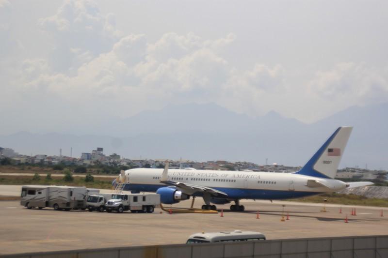 Ngắm hai chuyên cơ dự phòng phục vụ Tổng thống Obama - ảnh 2