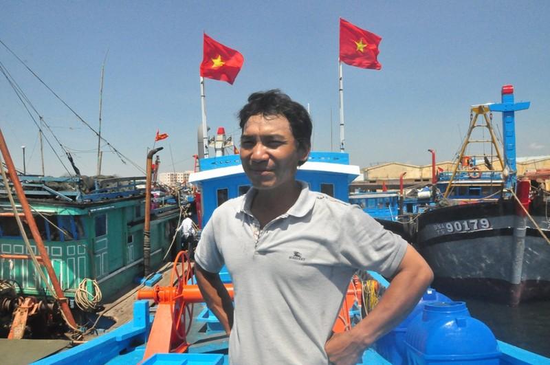 Tìm kiếm hai ngư dân mất tích trên vùng biển vịnh Bắc Bộ - ảnh 1