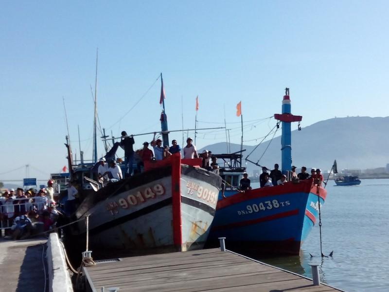 Đà Nẵng: Đình chỉ tất cả hoạt động tàu bè du lịch trên sông Hàn - ảnh 1