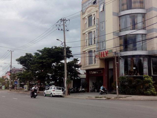 Taxi Hải Vân hoạt động tại Đà Nẵng sau khi được Sở GTVT cho phép hoạt động. Ảnh: LÊ PHI