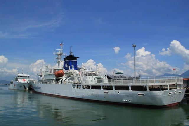 Tàu KOJIMA của Lực lượng bảo vệ bờ biển Nhật Bản chính thức cập cảng Tiên Sa trong sáng 25-7. Ảnh: LÊ PHI