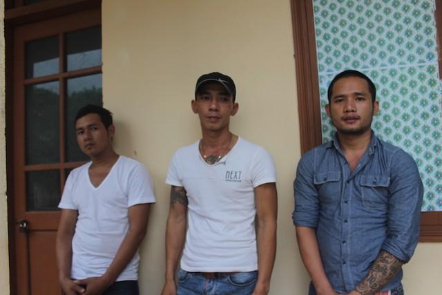 Ba thanh niên 'xin' ở lại trụ sở công an đã rút đơn tố cáo - ảnh 1