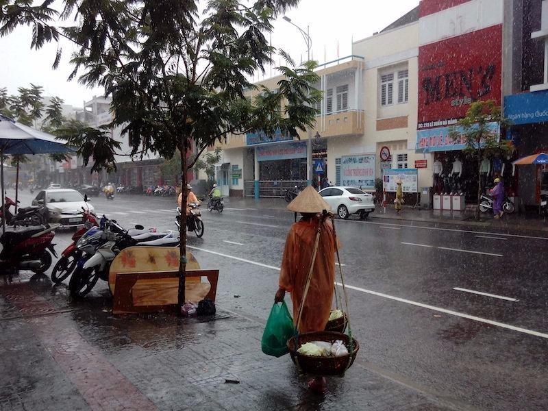 mưa tầm tã tại miền trung