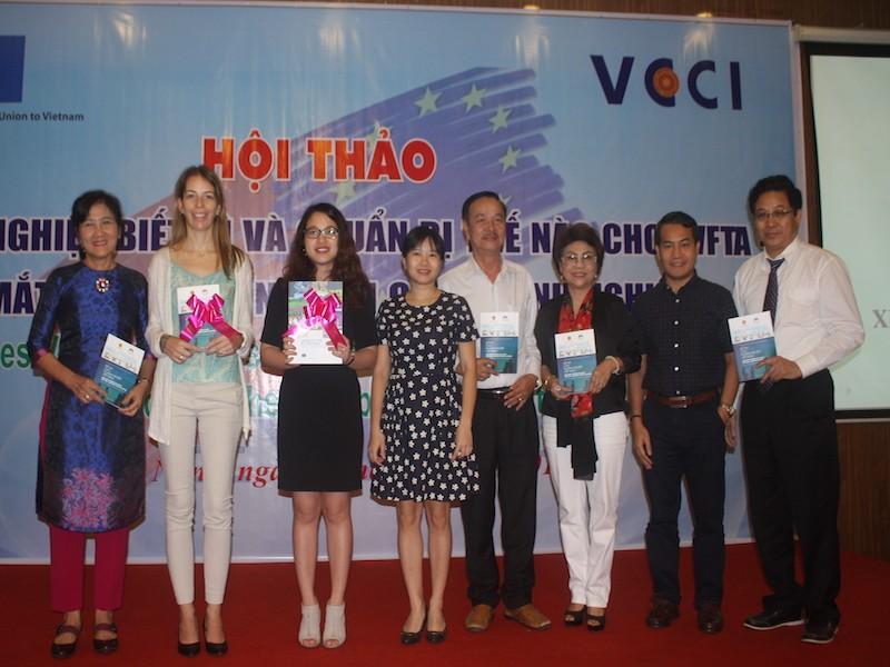 Ra mắt Sổ tay hướng dẫn về Hiệp định Thương mại  EU-Việt Nam - ảnh 1