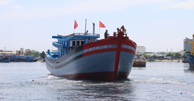 Đà Nẵng: Hạ thủy 2 tàu cá khủng ra Hoàng Sa - ảnh 1