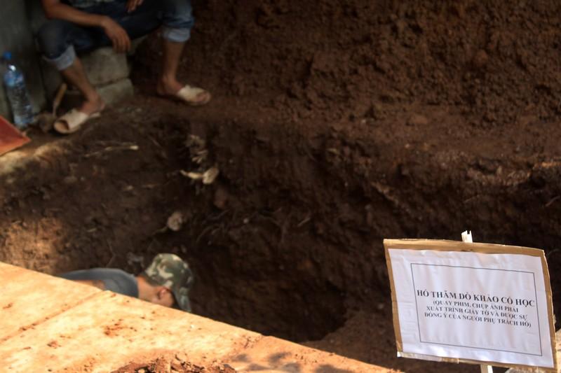 Thấy gì khi khai quật khu vực mộ vua Quang Trung  - ảnh 2