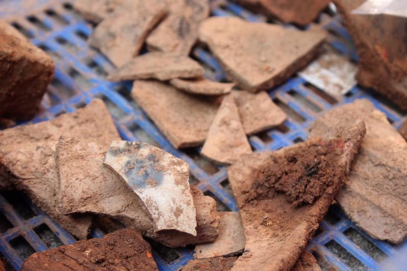Thấy gì khi khai quật khu vực mộ vua Quang Trung  - ảnh 9