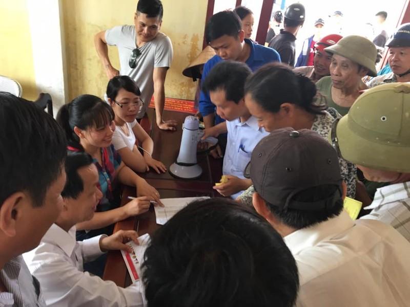 JFC Danang trao hơn 6 tỉ hỗ trợ bà con vùng lũ lụt - ảnh 2