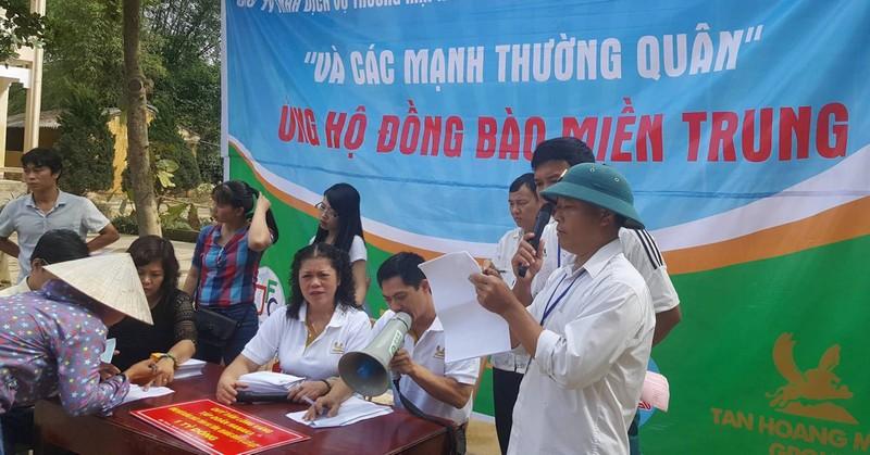 JFC Danang trao hơn 6 tỉ hỗ trợ bà con vùng lũ lụt - ảnh 3