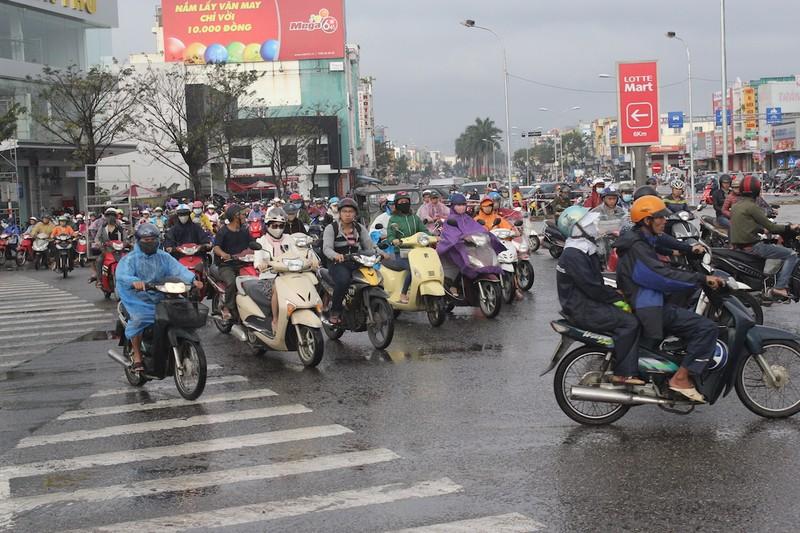 Hỗn loạn giao thông tại cửa ngõ phía Bắc Đà Nẵng - ảnh 3